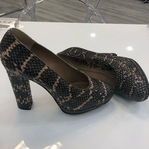 Lanvin platform brown snakeskin pumps